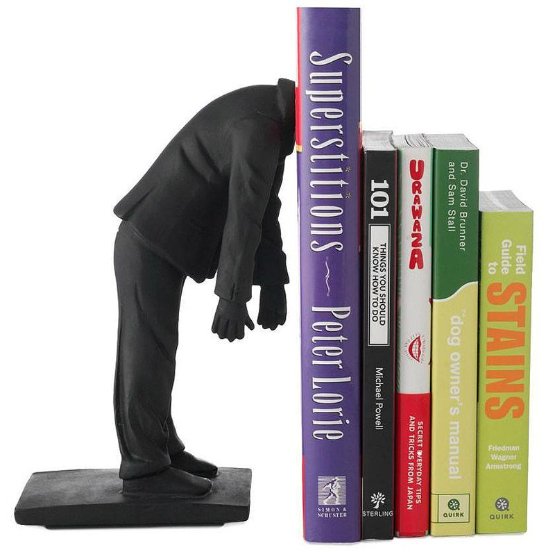 Livre statue